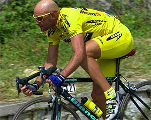 Marco Pantani (Mercatone Uno) at the Giro 2001